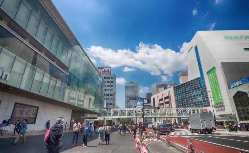 新宿駅南口駅前の様子