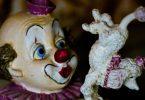 古びたピエロの人形
