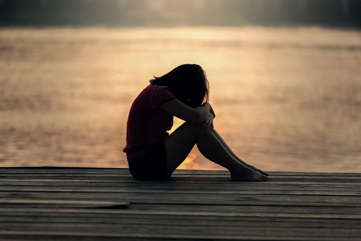 絶望する女の子